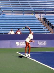 テニス_サーブ_イメージ